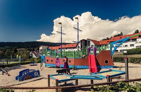 Kinderspielplatz und Kinderecke