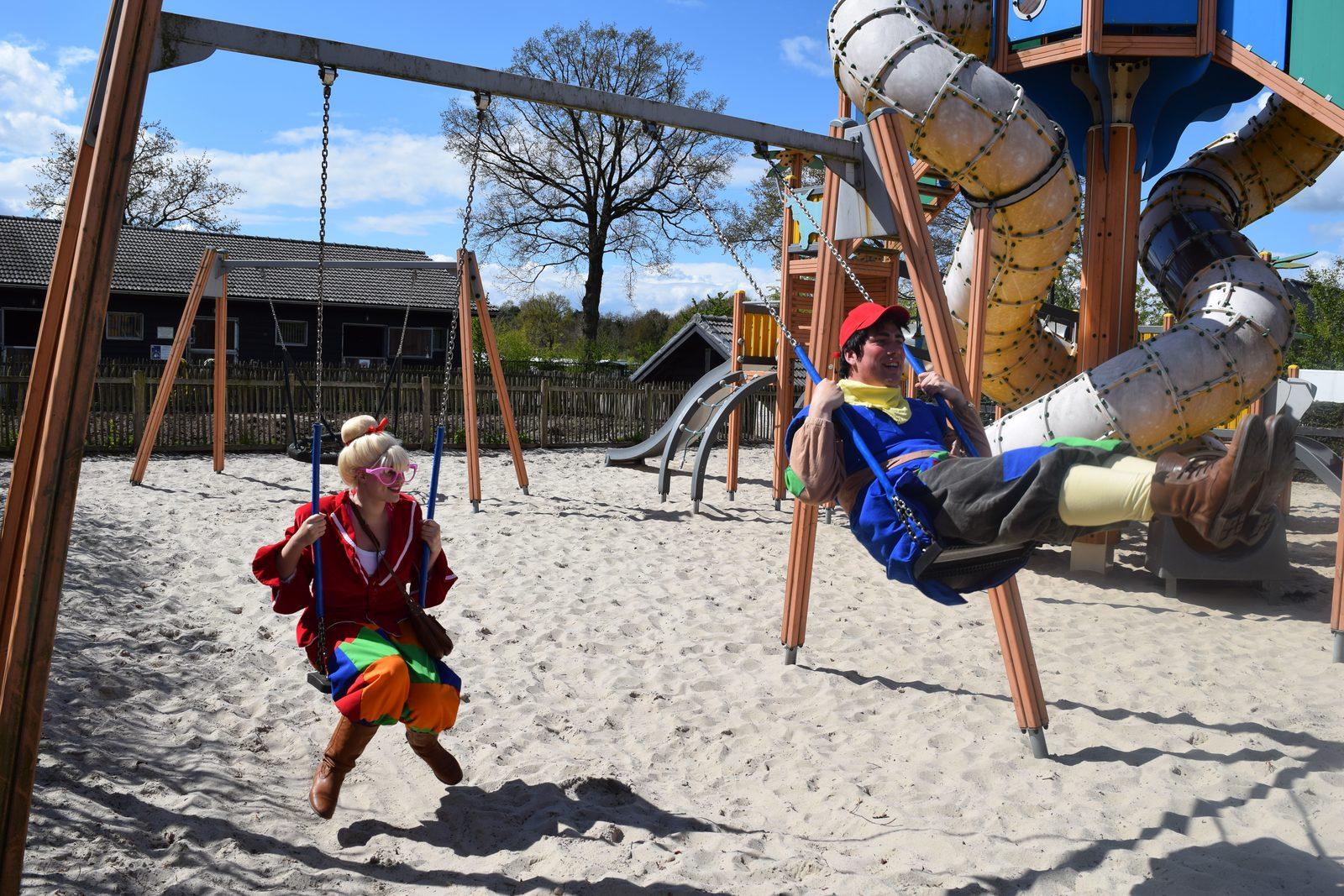 Die Maskottchen Keessie und Willie in der Veluwe   Freizeitpark De Boshoek