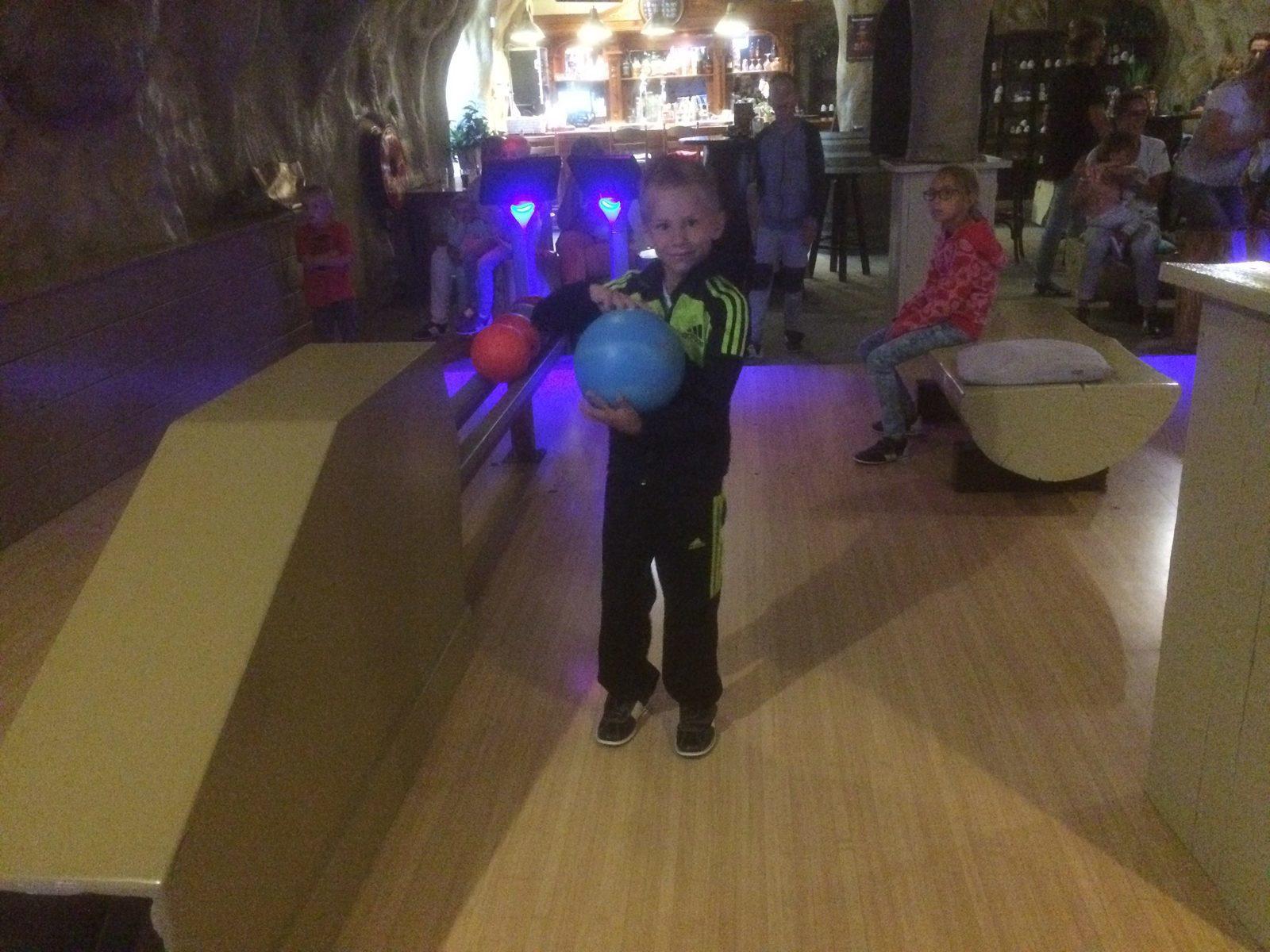 Gezellig bowlen tijdens verblijf op Recreatiepark De Boshoek