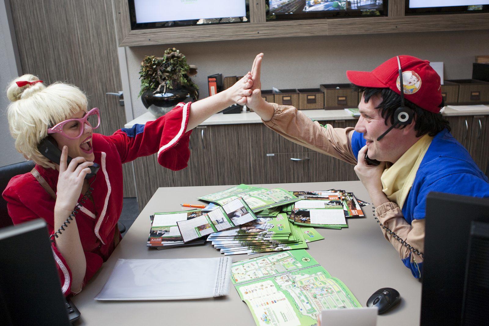 Keessie en Willie als mascottes op Recreatiepark De Boshoek