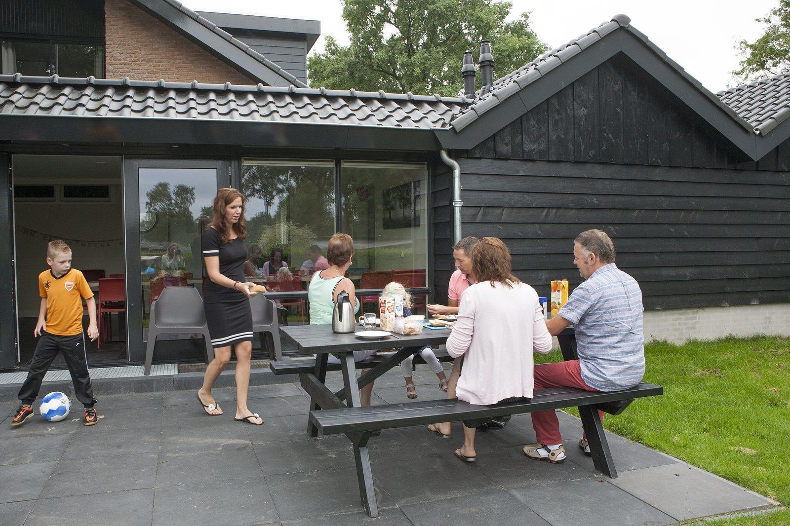 Grote groepsvilla op de Veluwe voor 24 personen bij Recreatiepark De Boshoek