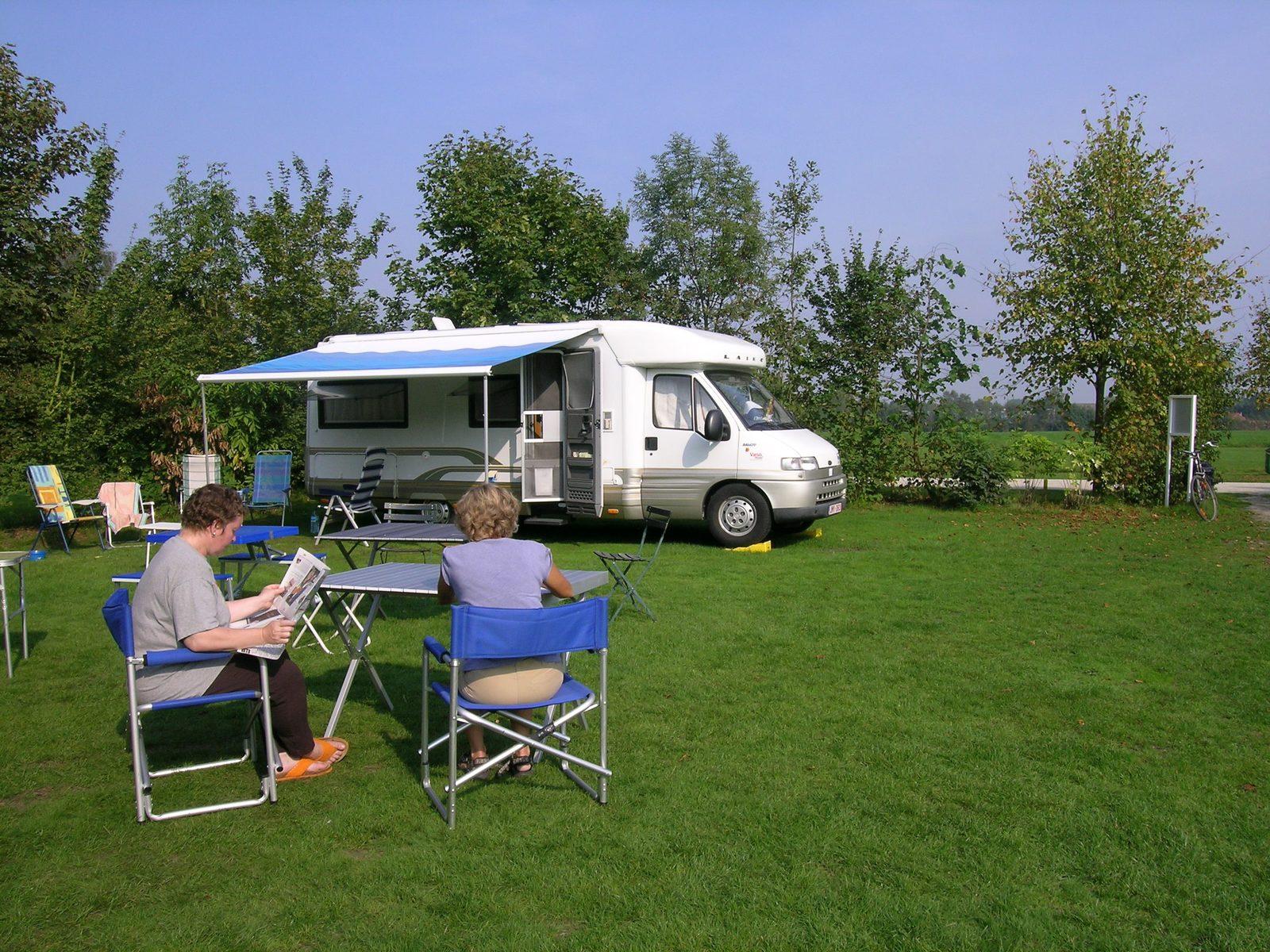 Camper en kampeerauto Baalse Hei