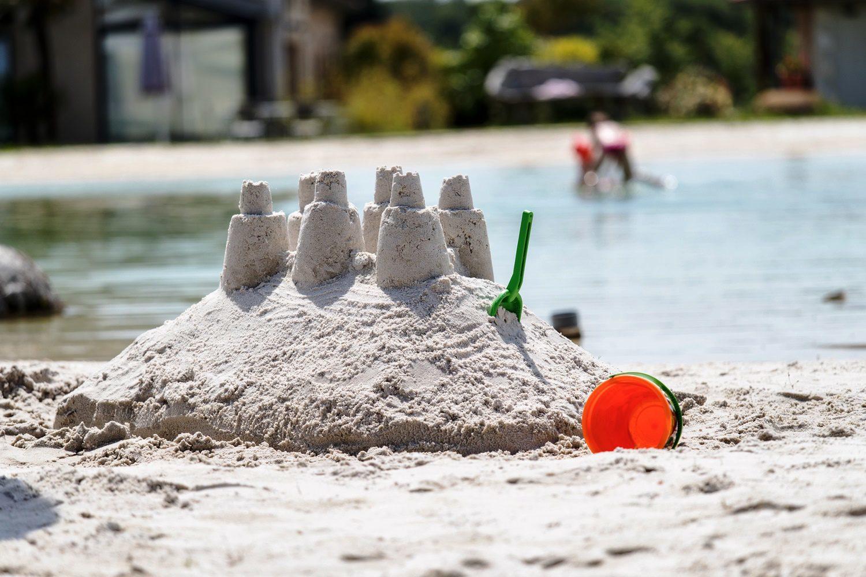 Kindvriendelijk vakantiehuis met zwembad en strand
