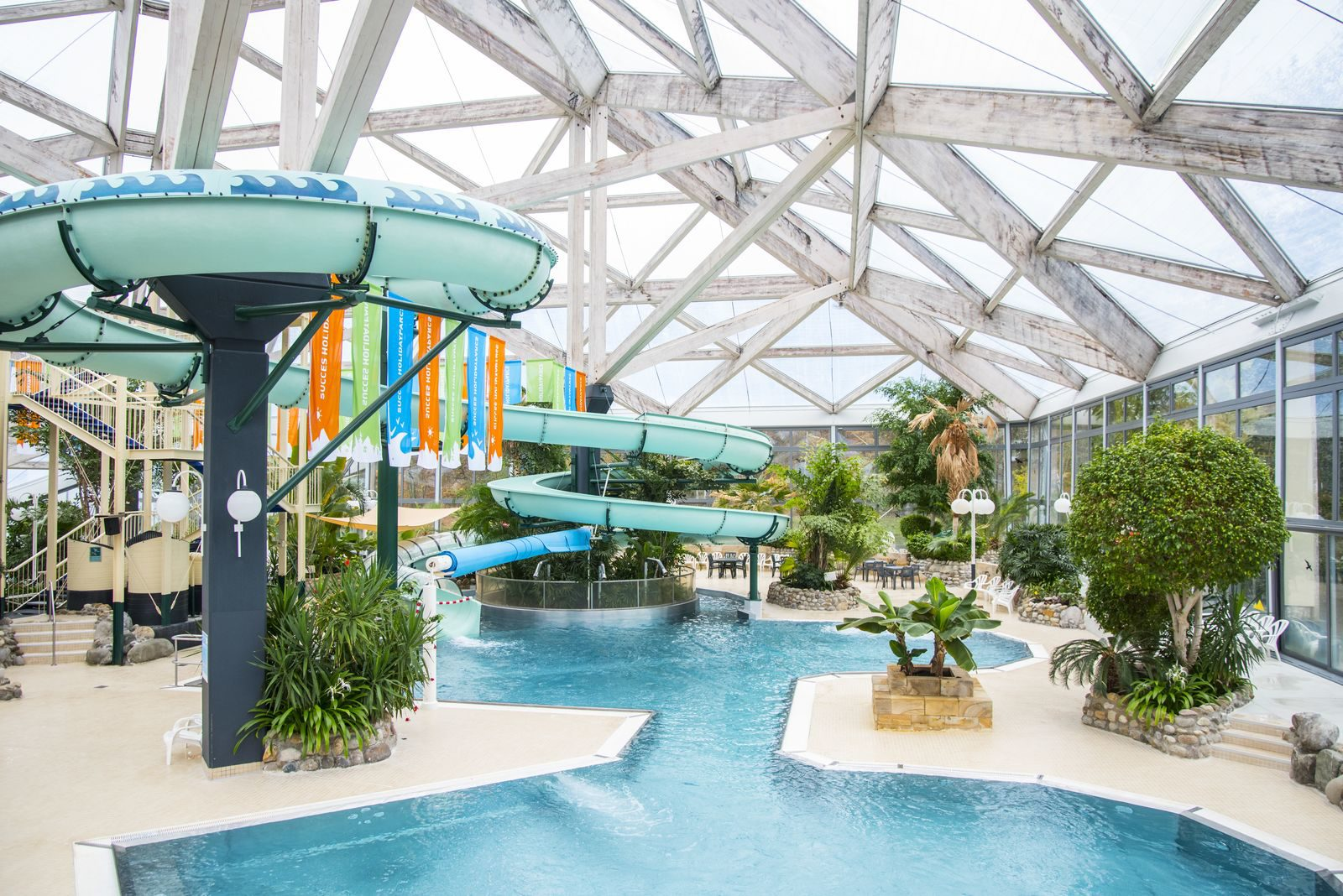 Holiday parks with swimming pool