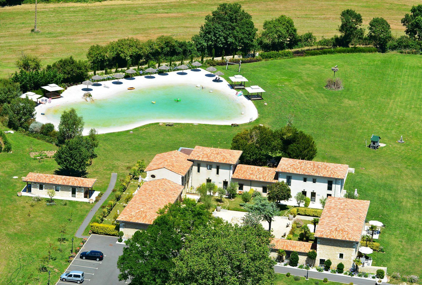 Kleinschalig vakantiepark Domaine les Marees in Frankrijk