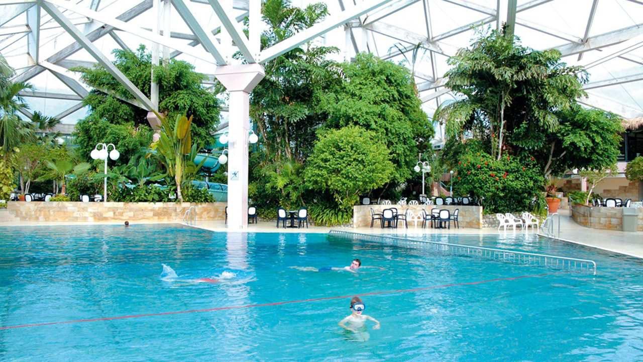 Schwimmbad - Ferienpark Hambachtal