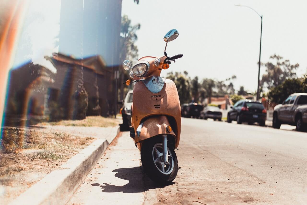 You can travel on Bonaire with several kinds of vehicles. Scooters, busses and taxi's will help you exploring this beautiful island.