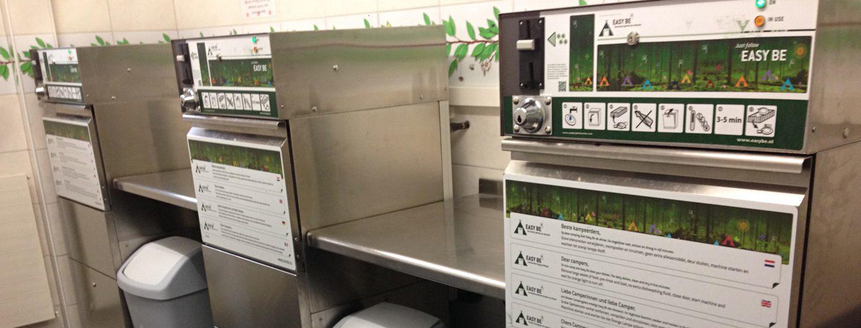 Vaatwassers in sanitairgebouw op camping van Recreatiepark De Boshoek