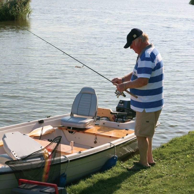 Holiday home by water for fishing