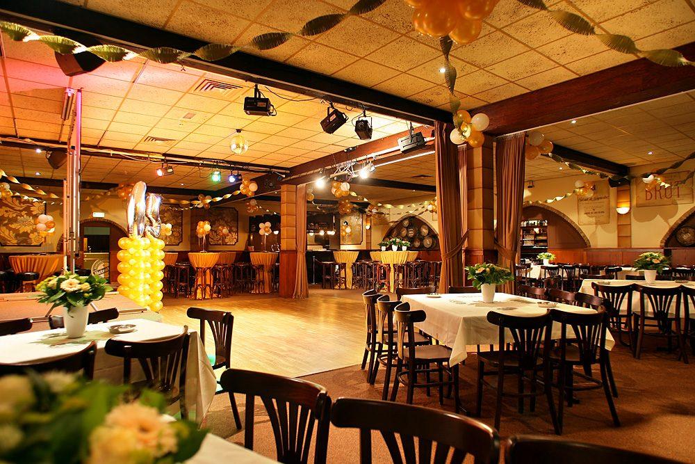 Pub + Bogensaal
