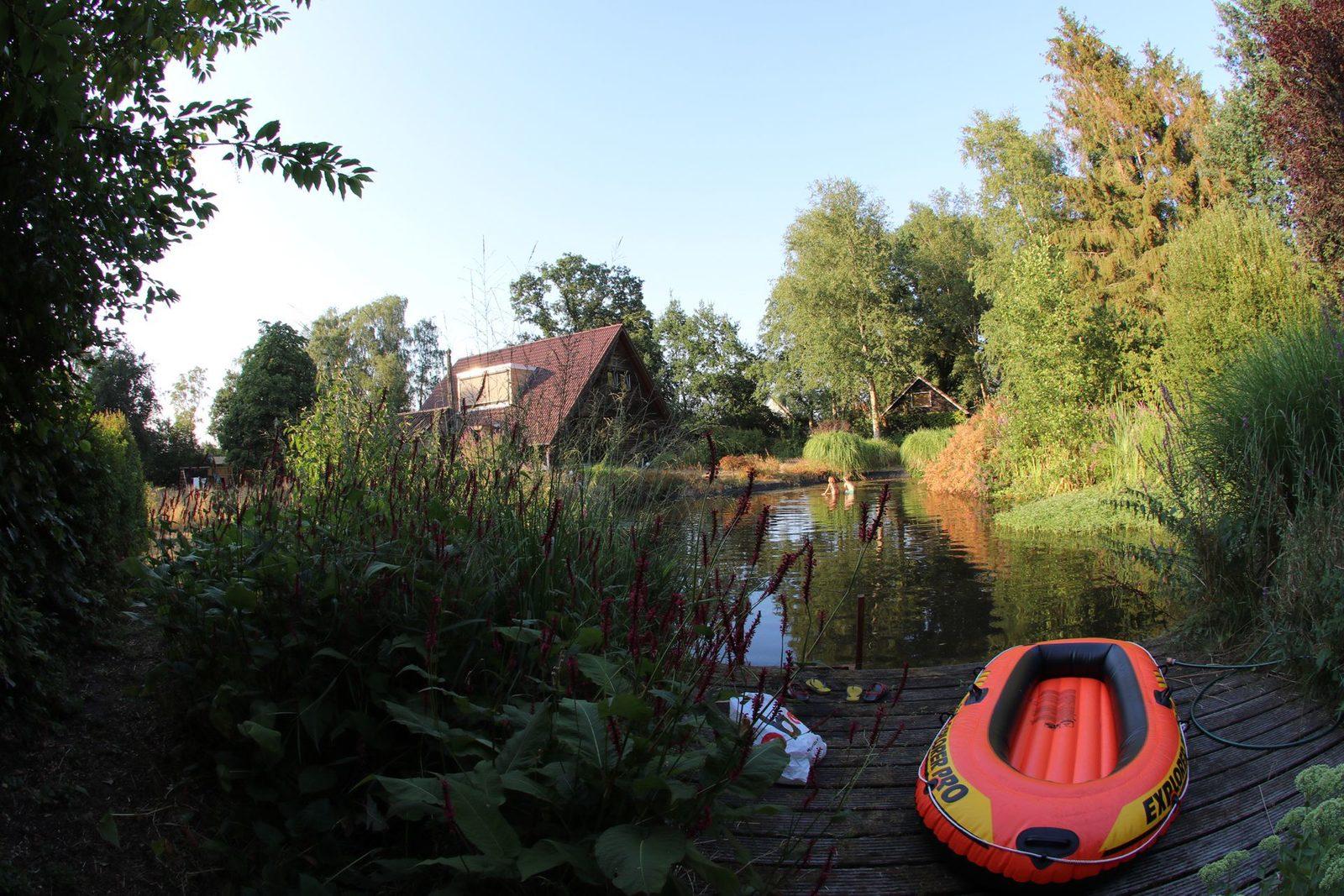 Zwemvijver van vakantiehuis Stoffels in Hulshorst, Veluwe