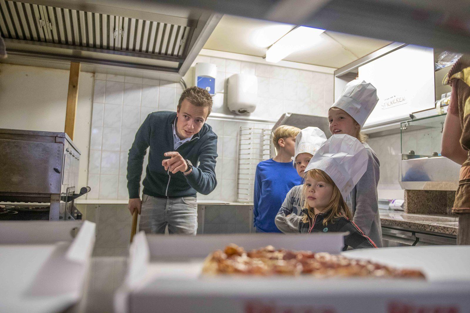 Kinderfeestje Bak je eigen Pizza | Kampeerdorp de Zandstuve