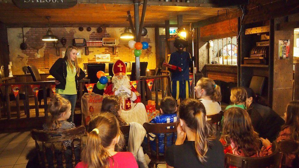 Vier Sinterklaas op de Veluwe bij Recreatiepark De Boshoek