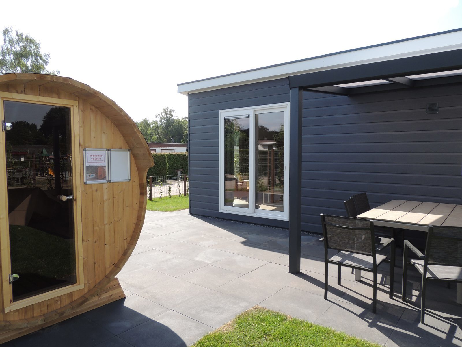 Holiday home with a jacuzzi and sauna
