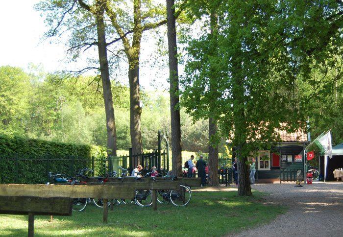 Kasteel, hagendoolhof en Klimbos in Ruurlo