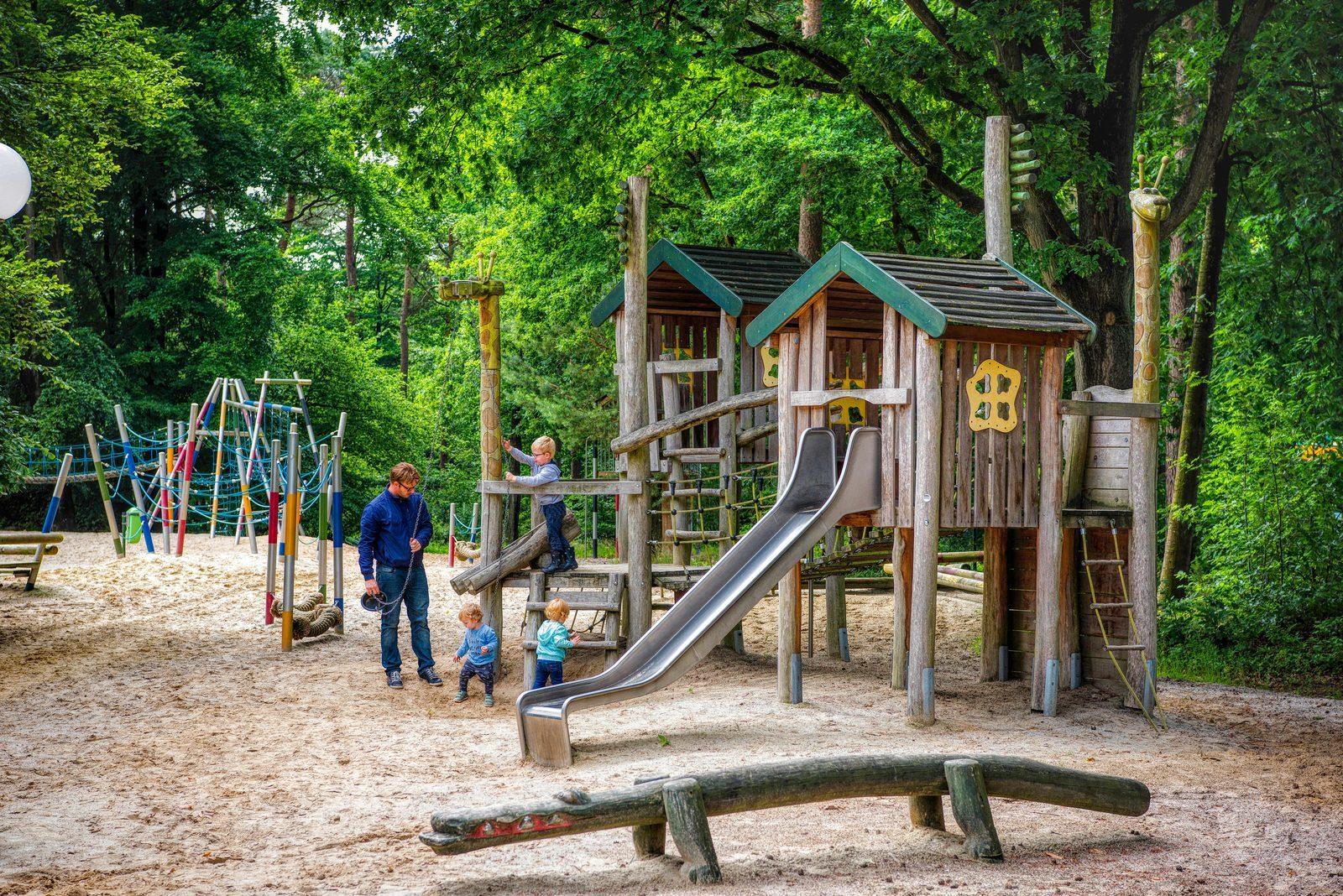 """Spielplatz auf dem Landgut """"De Berenkuil"""""""
