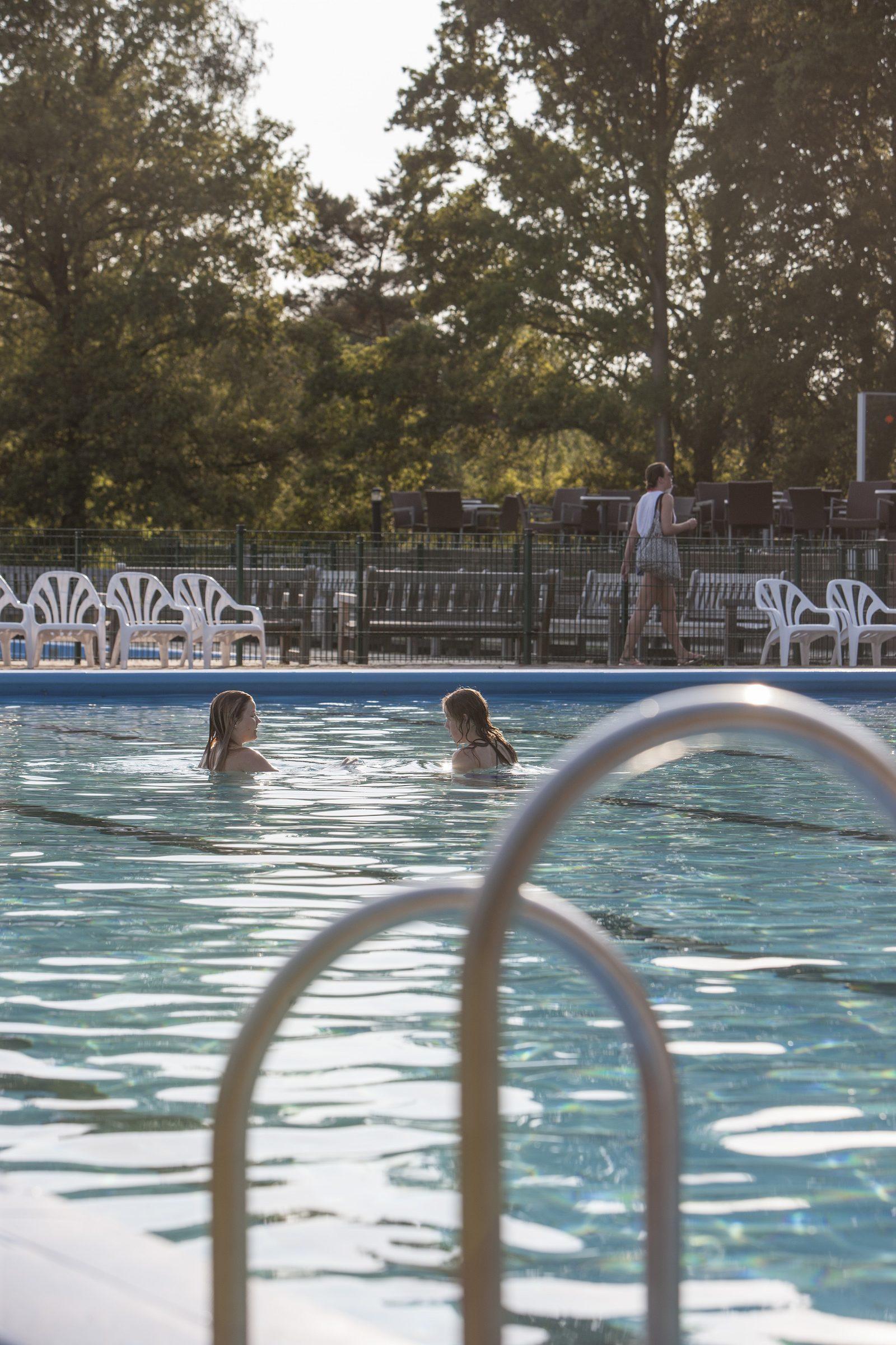 Swimmingpool | Urlaubsresort Witterzomer
