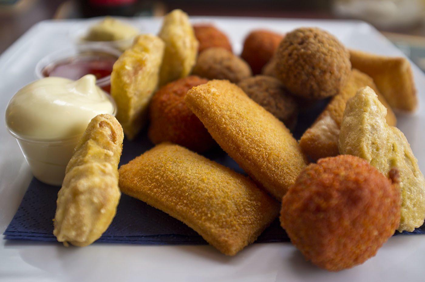 Enjoy snacks at De Boshoek