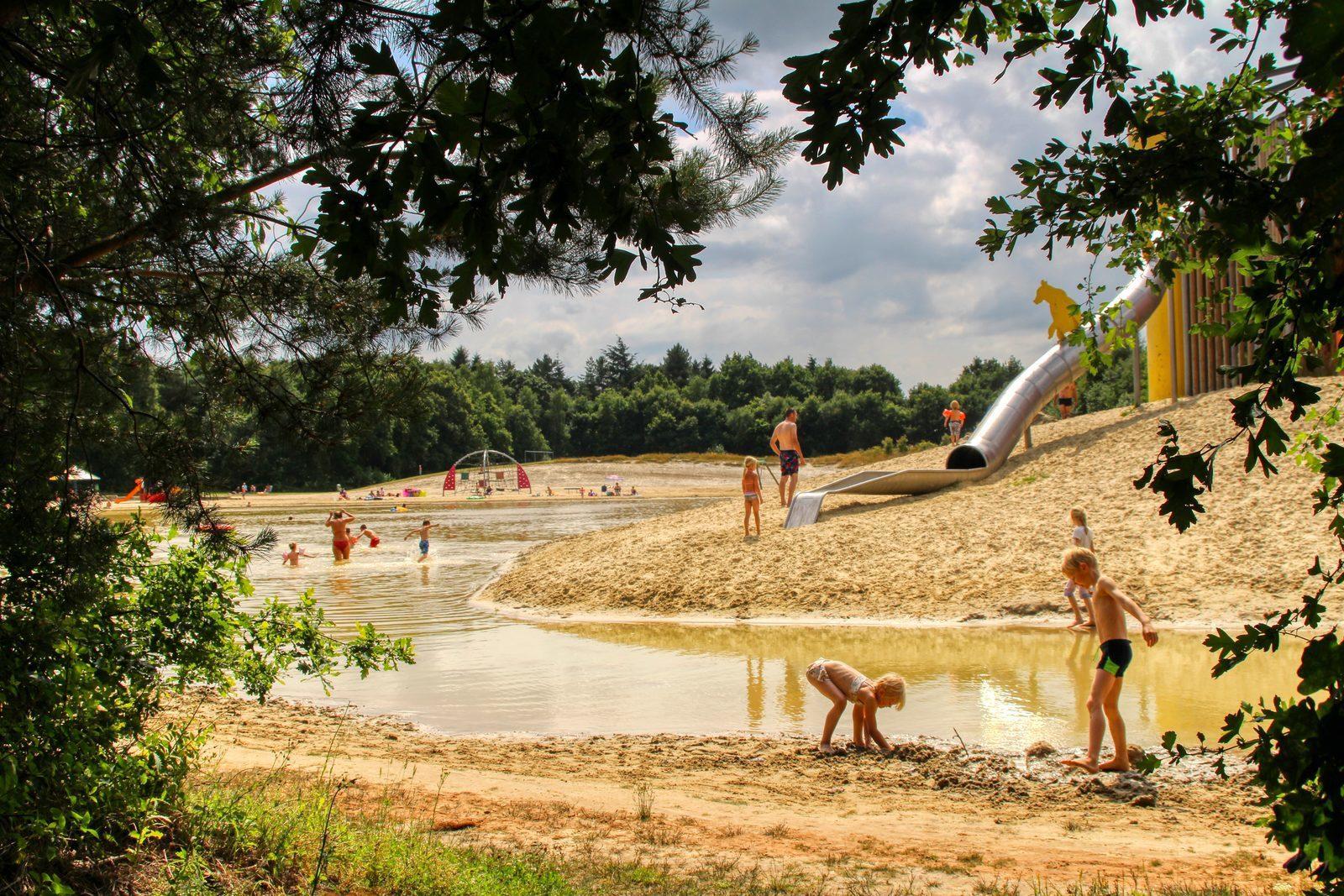 De zwemvijver van Camping de Berenkuil