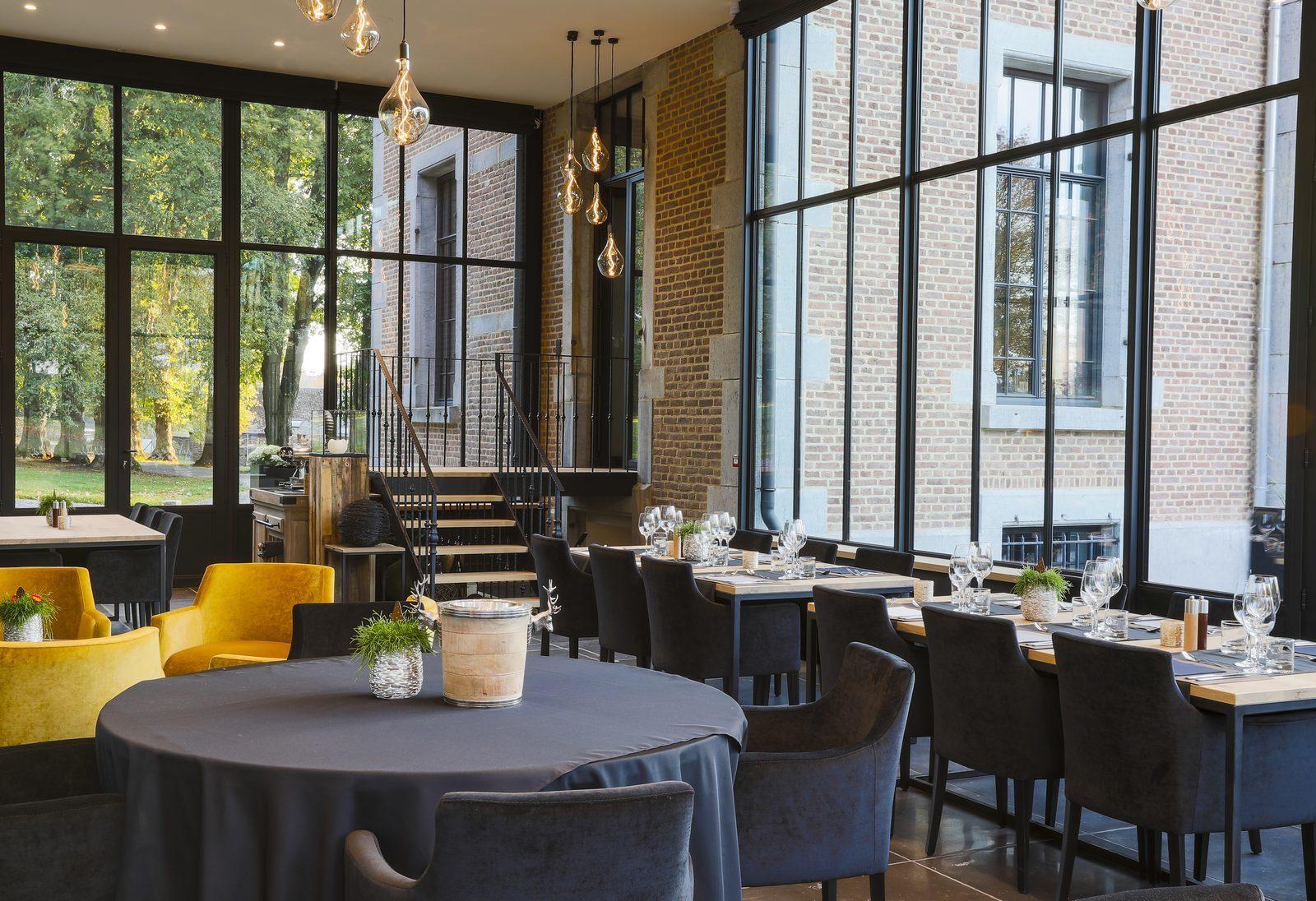 Petit-déjeuner et restaurant