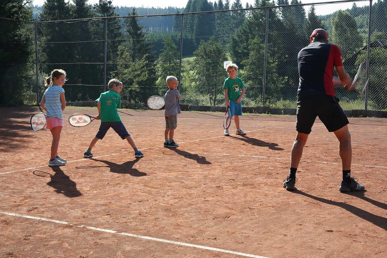 Installations - Court de tennis| Petite Suisse