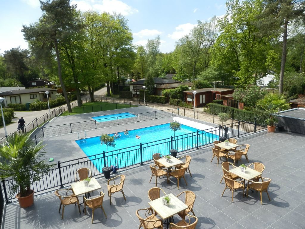 Holiday resort with swimming pool Beekbergen