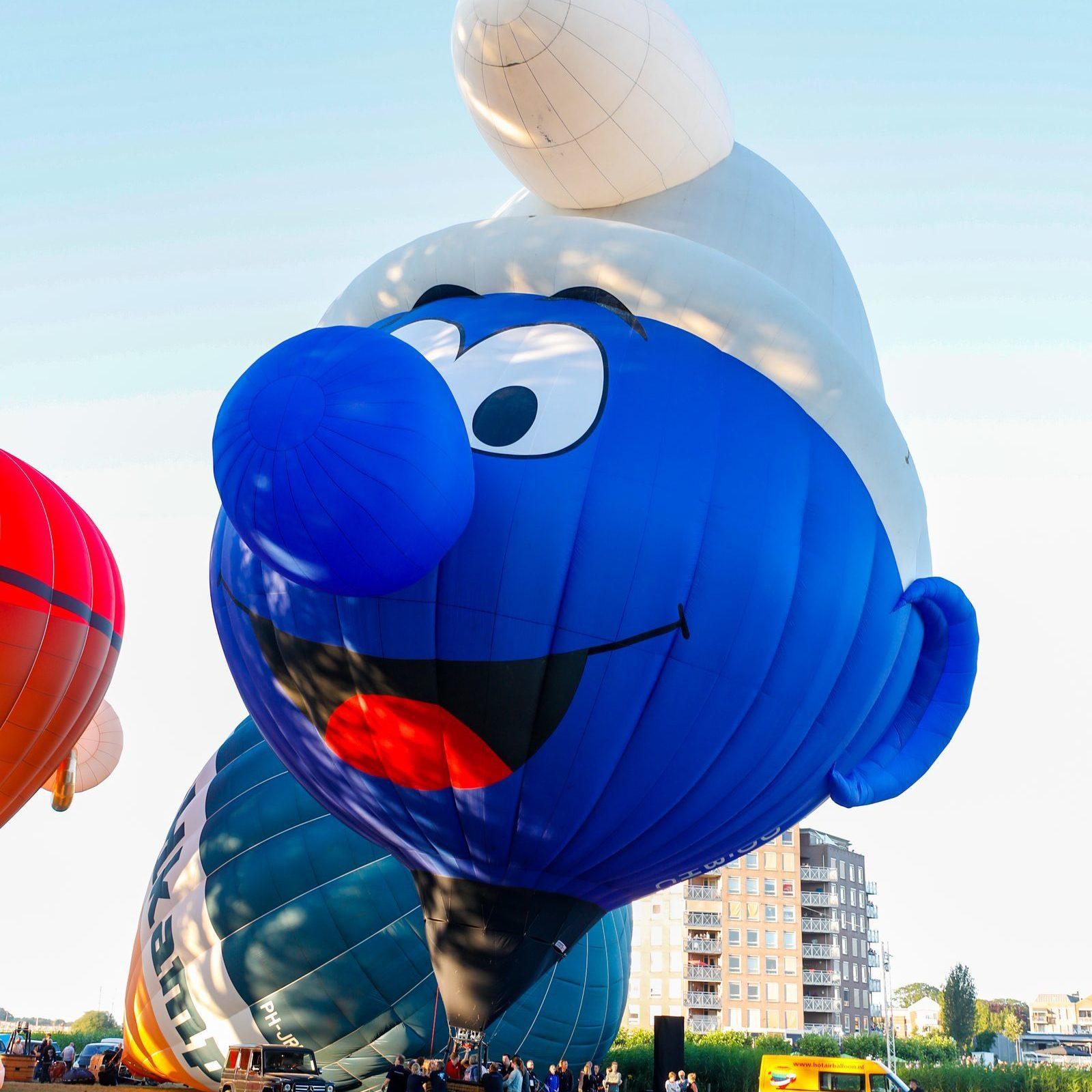 Smurfen luchtballon bij het Ballonfestival in Hardenberg
