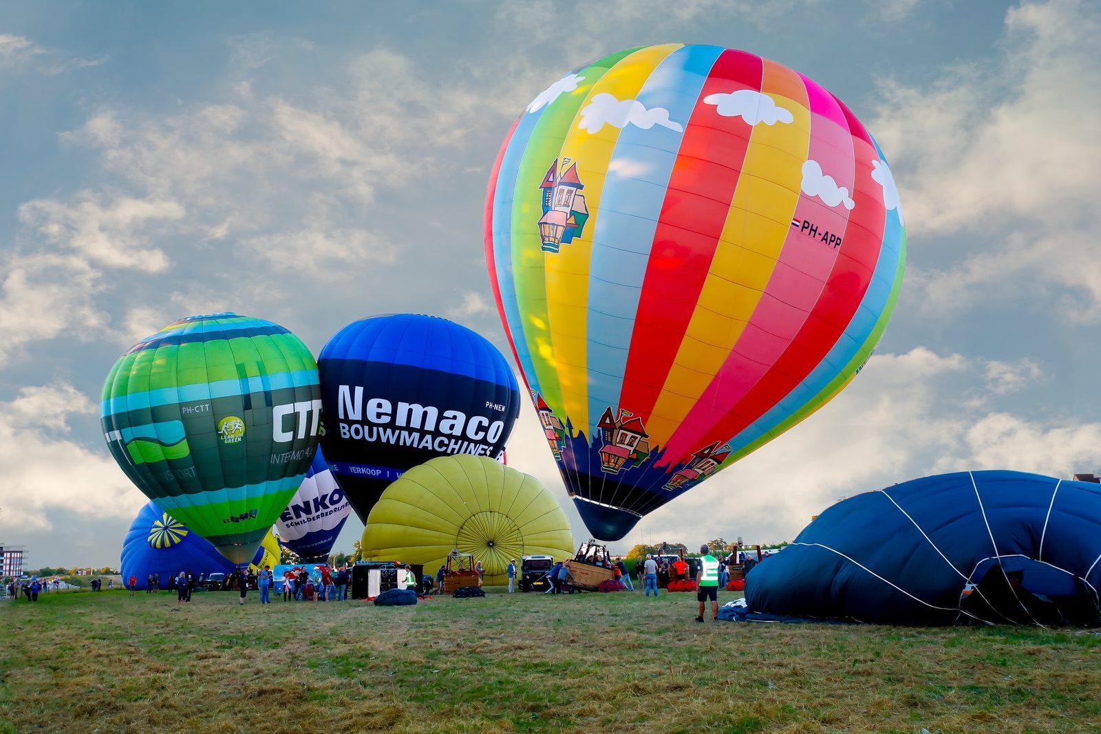 Diverse luchtballonnen bij het ballonfestival in Hardenberg