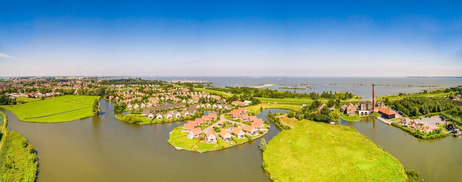 Luxe bungalows nabij het IJsselmeer met privé steiger