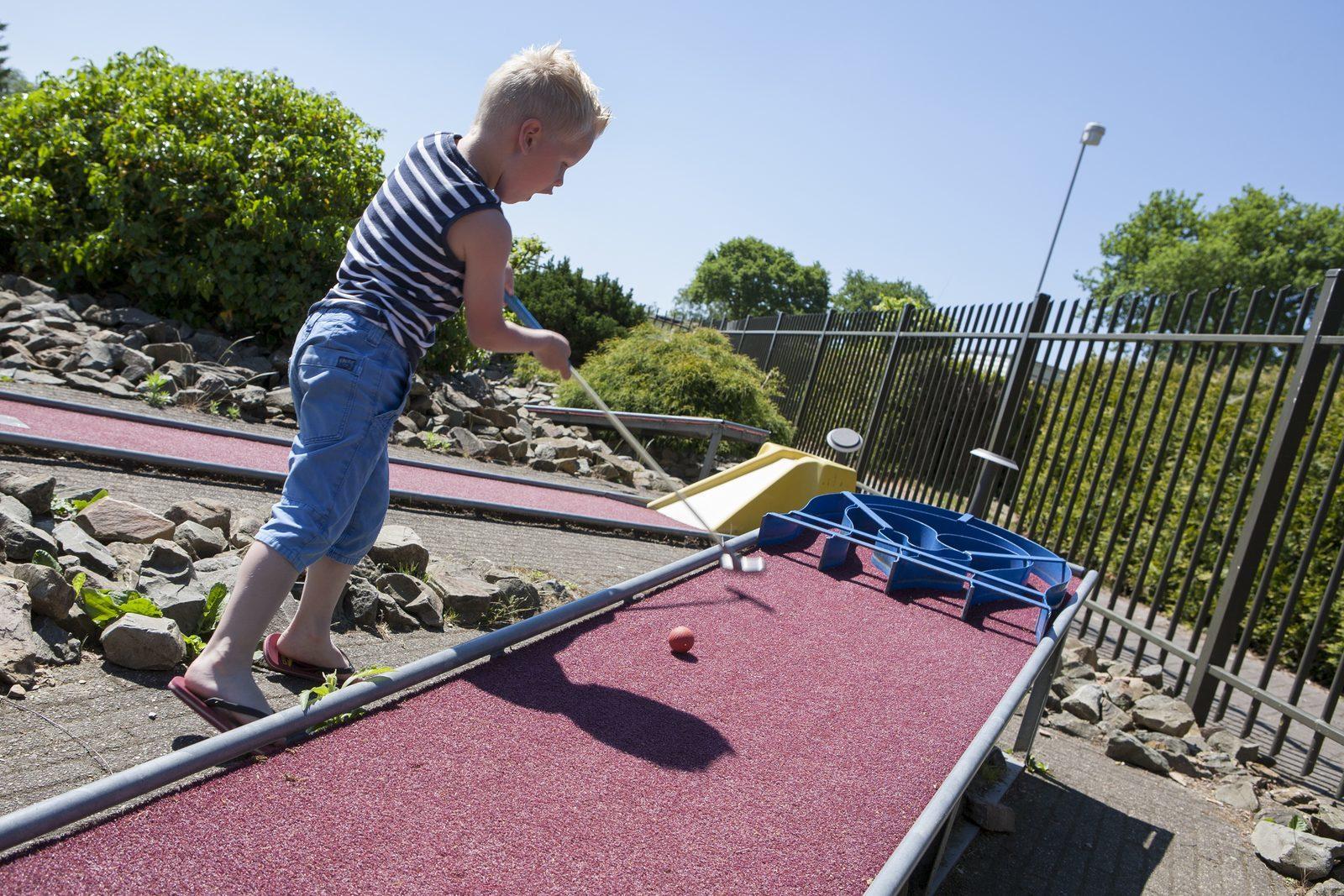 Miniature golf at Recreatiepark De Boshoek