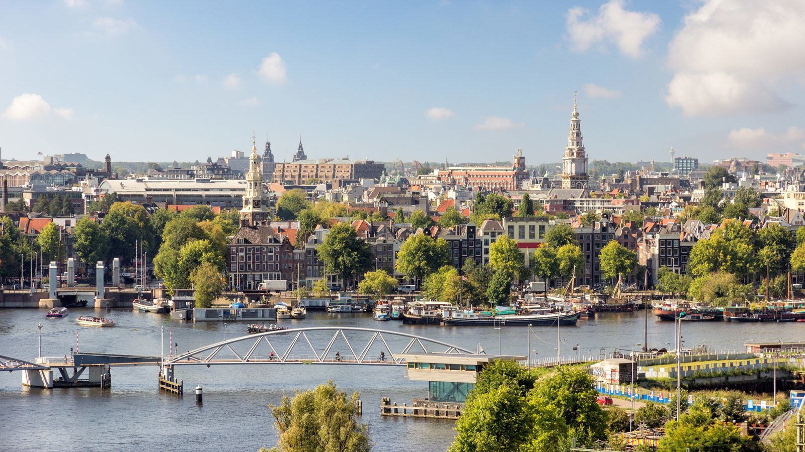 """The Netherlands are increasingly popular: """"10 million tourists in The Netherlands this summer""""."""