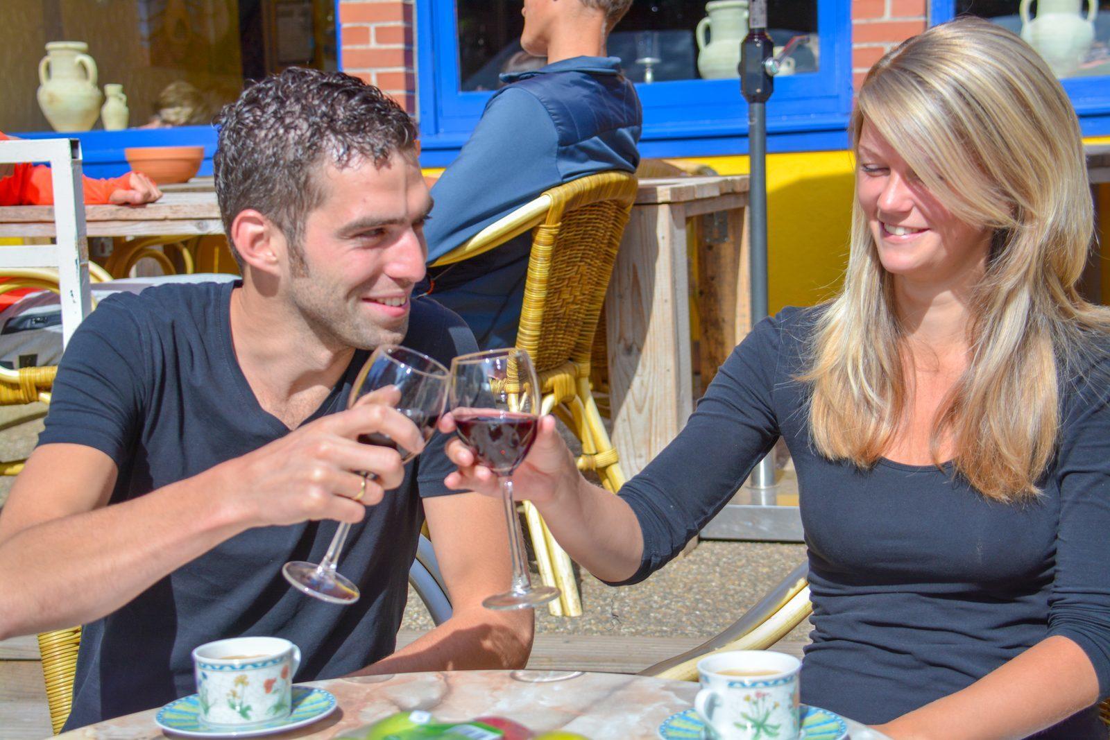 Cheers op het terras van Walsdorf