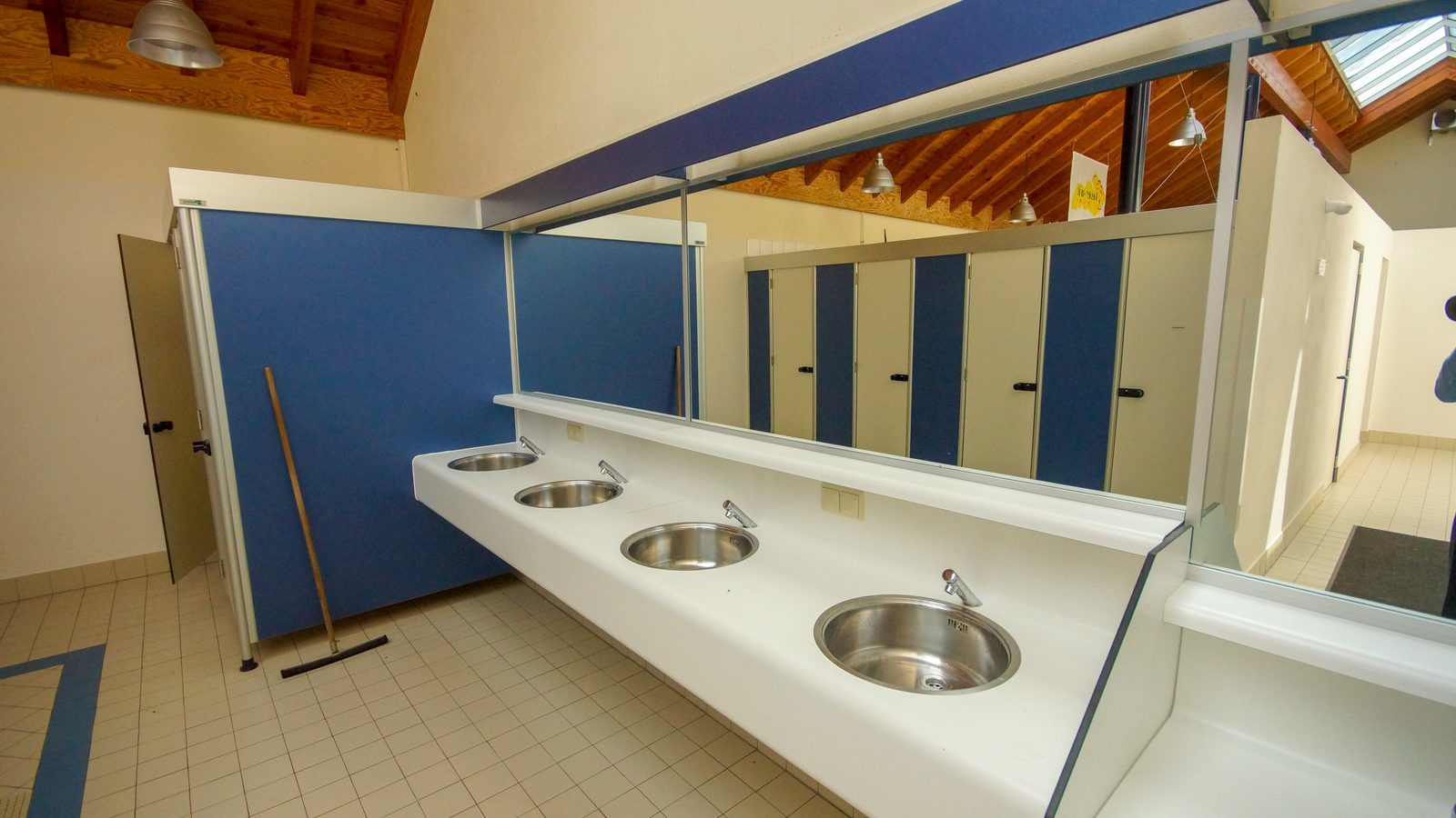Sanitary facilities Walsdorf