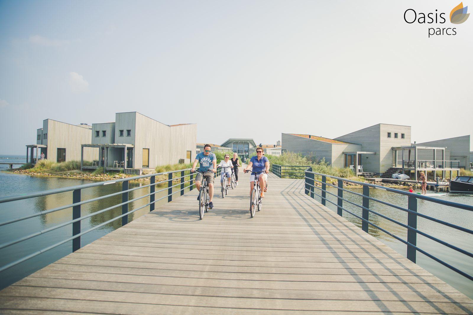 Radfahren um das Hotel in Seeland
