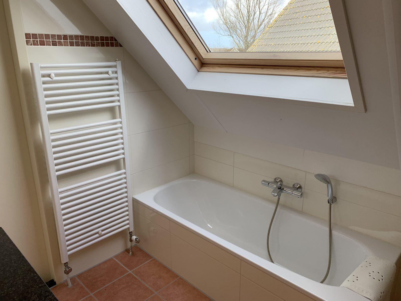 IJsselmeerstraat 153 Comfort Plus, slaap- en badkamer beneden