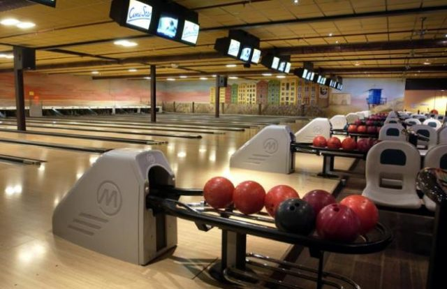 Party & Bowling De Worp