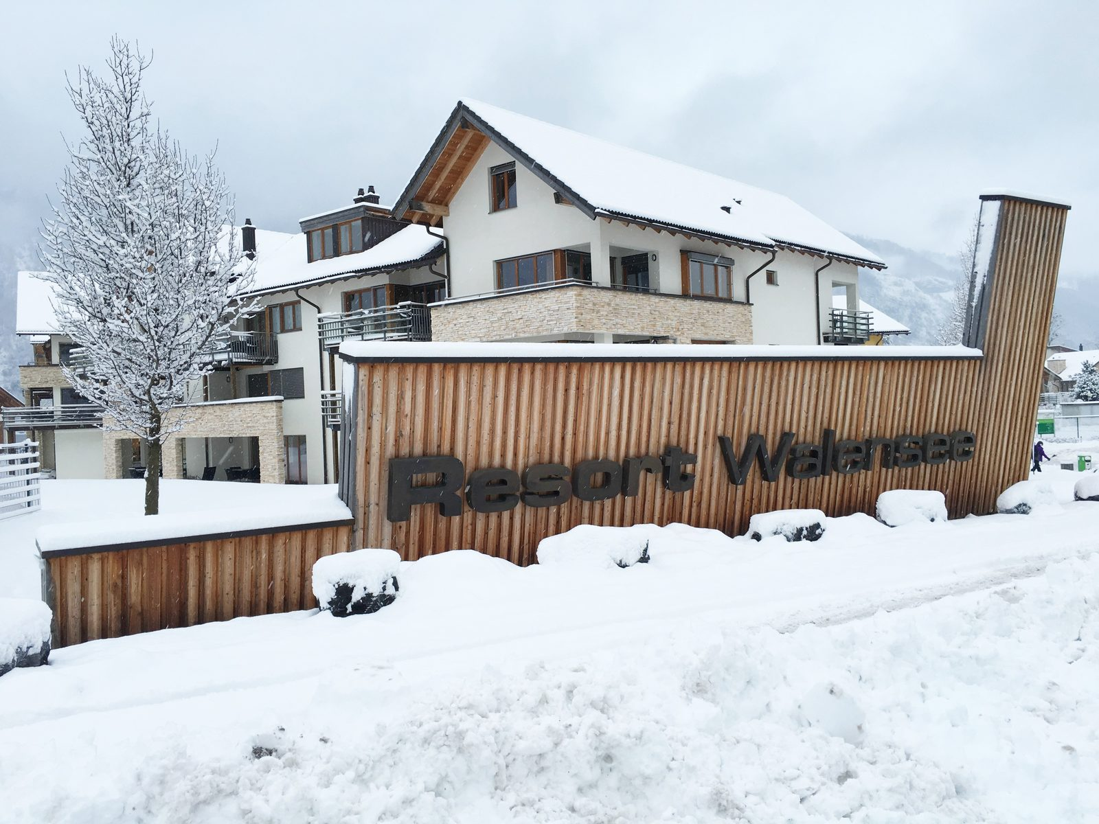 Resort Walensee, on the foot of the Flumserberg Switzerland, is the ideal winter sports location for the whole family.