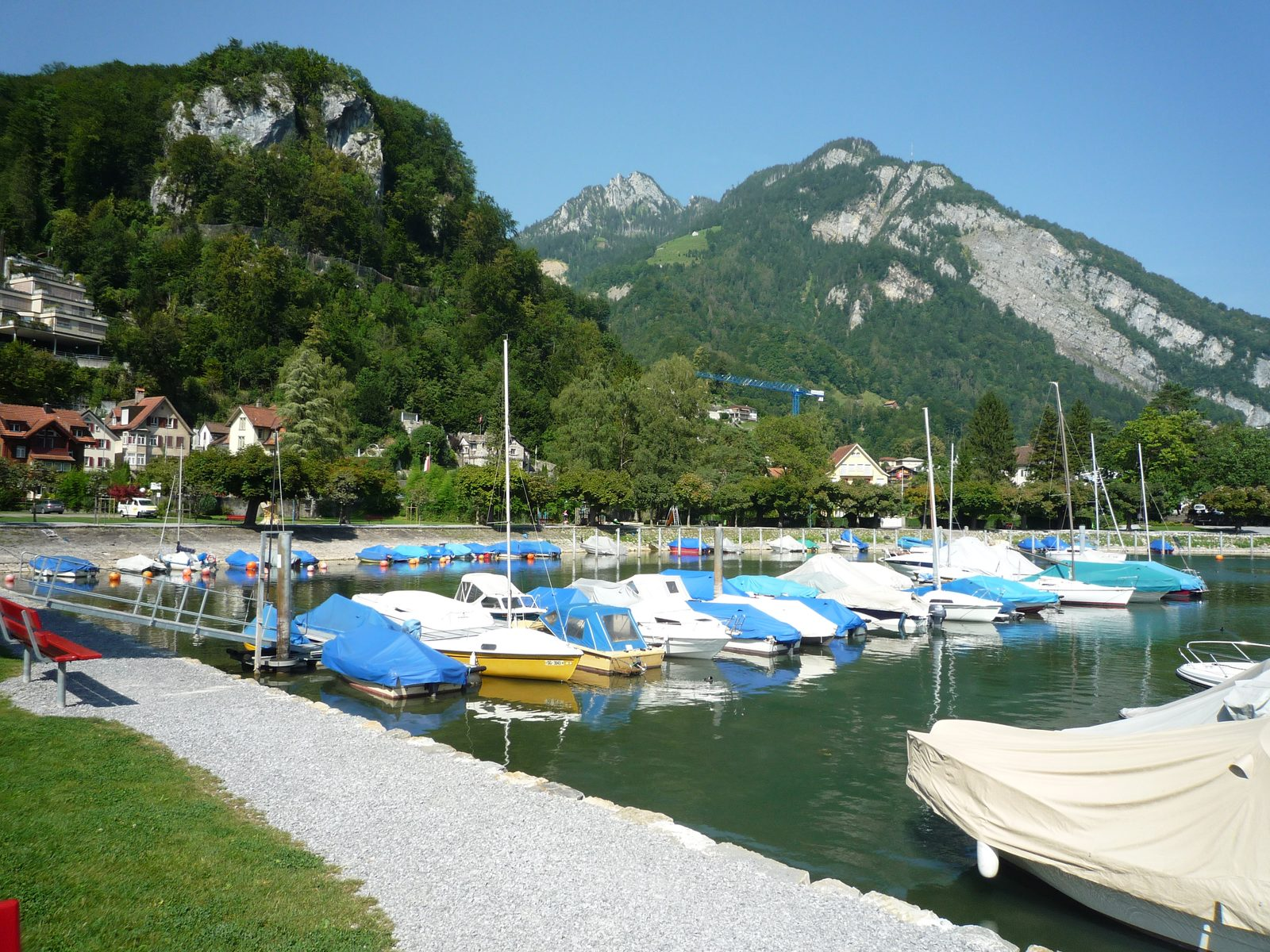 The apartments on Resort Walensee Switzerland are located directly at the clear water, that has a magical attraction to water sports enthusiasts