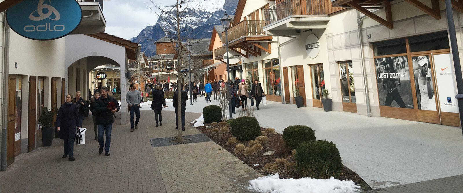 Shopping Resort Walensee Switzerland