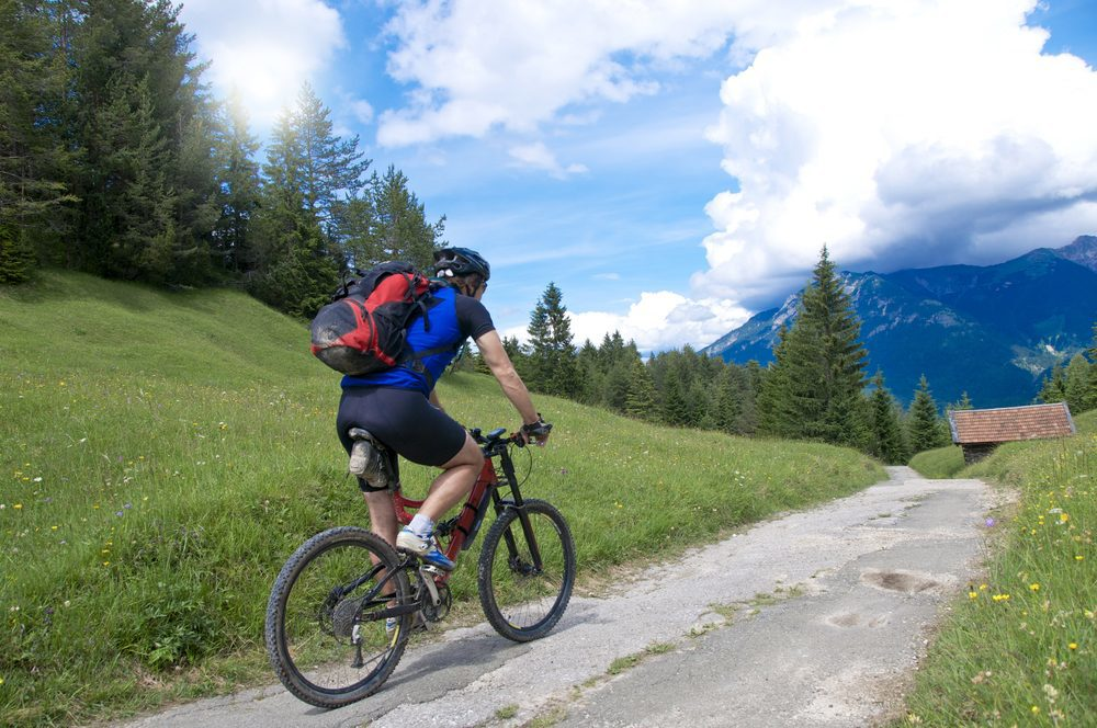 Mountain biking or cycling in the Alps on the Flumserberg, in the region Heidiland Switzerland. Benefit from the special offers from Walensee Apartments