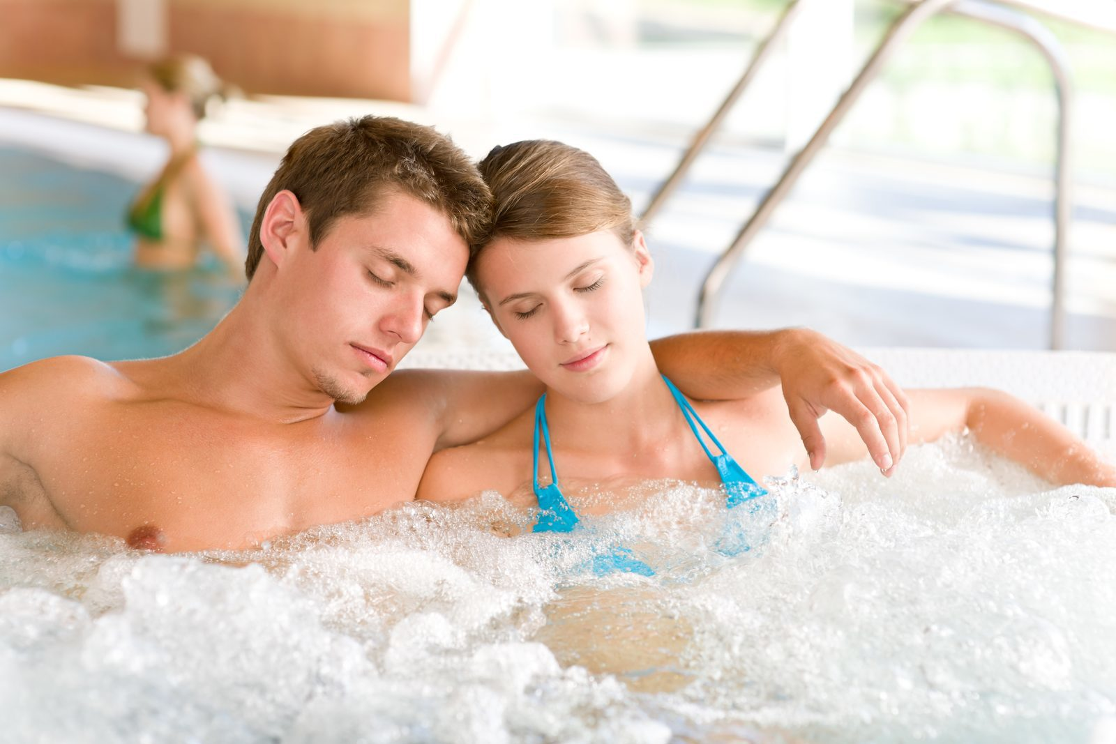 A wellness oasis with thermal waters, spas, massages and saunas. Enjoy from unique Swiss wellness from your cottage on Resort Walensee.