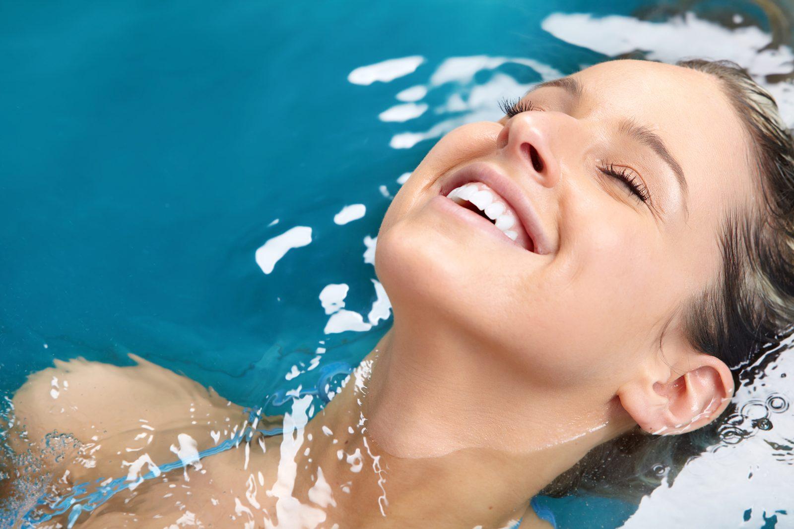 Von Ihrem Apartment im Resort Walensee aus sind Sie ganz schnell im Pool, oder Sie genießen Sauna und Wellnessbehandlungen in Tamina Terme, in der lintharena oder Alpamare
