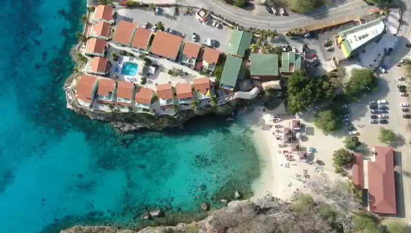 Welcome to Bahia Apartments & Diving