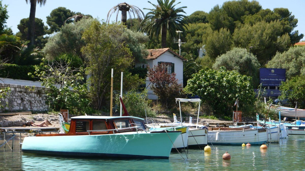 De haven van L'Olivette
