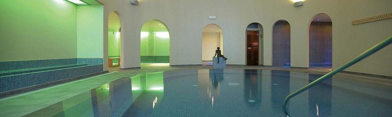 Binnenzwembad Villa Aqua