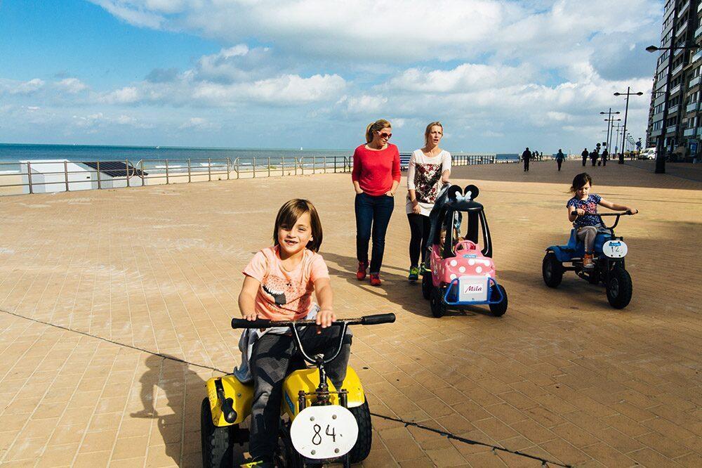 Gocarts op de zeedijk