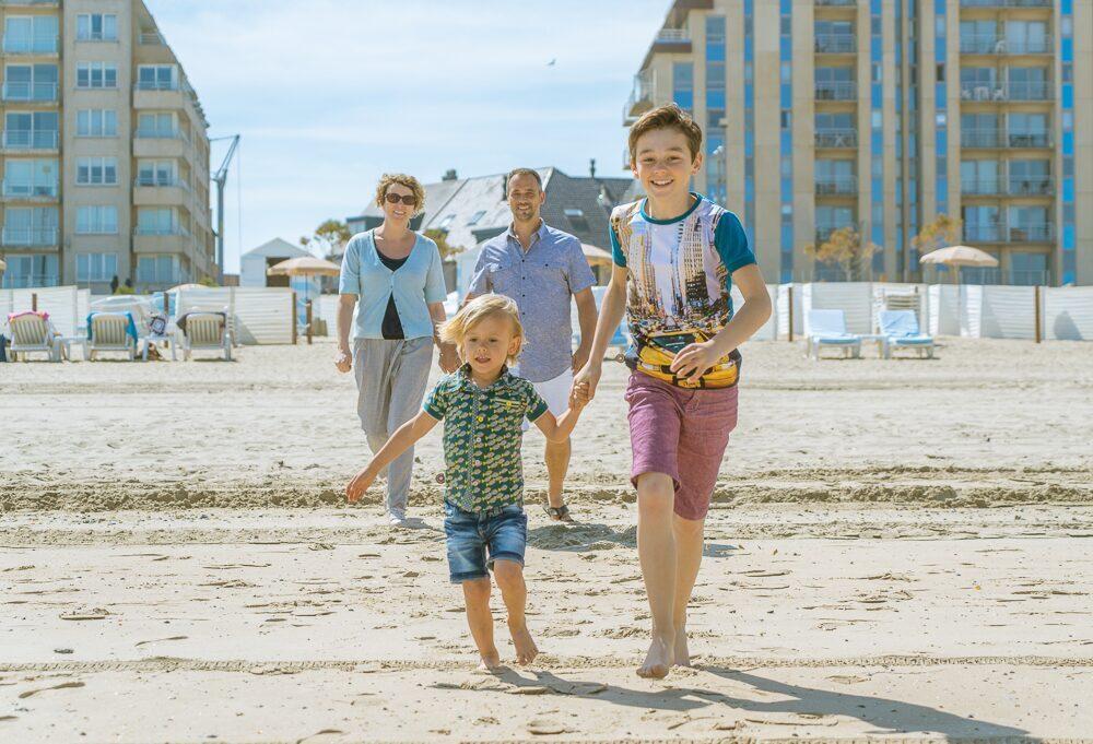 Des enfants sur la plage de Blankenberge
