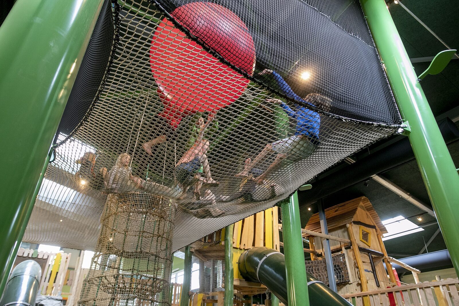 Indoor playground: Skik