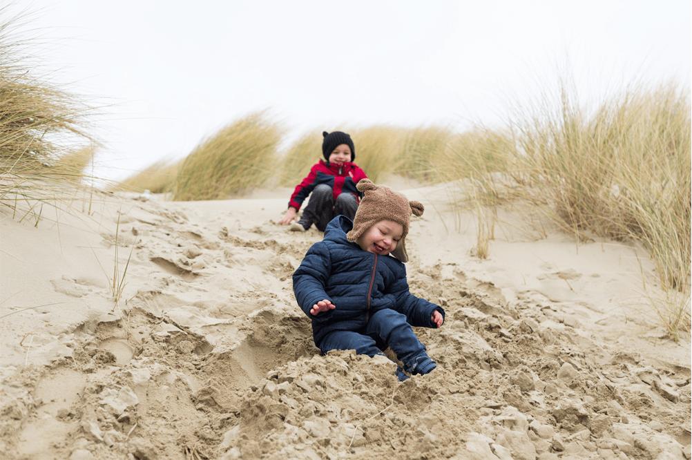 Spelen in de duinen