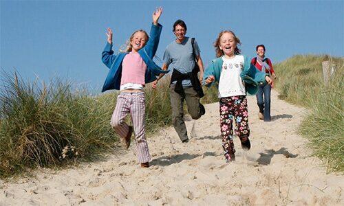 Famille dans les dunes